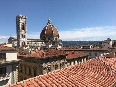 Vue panoramique de la Piazza del Duomo et de Florence